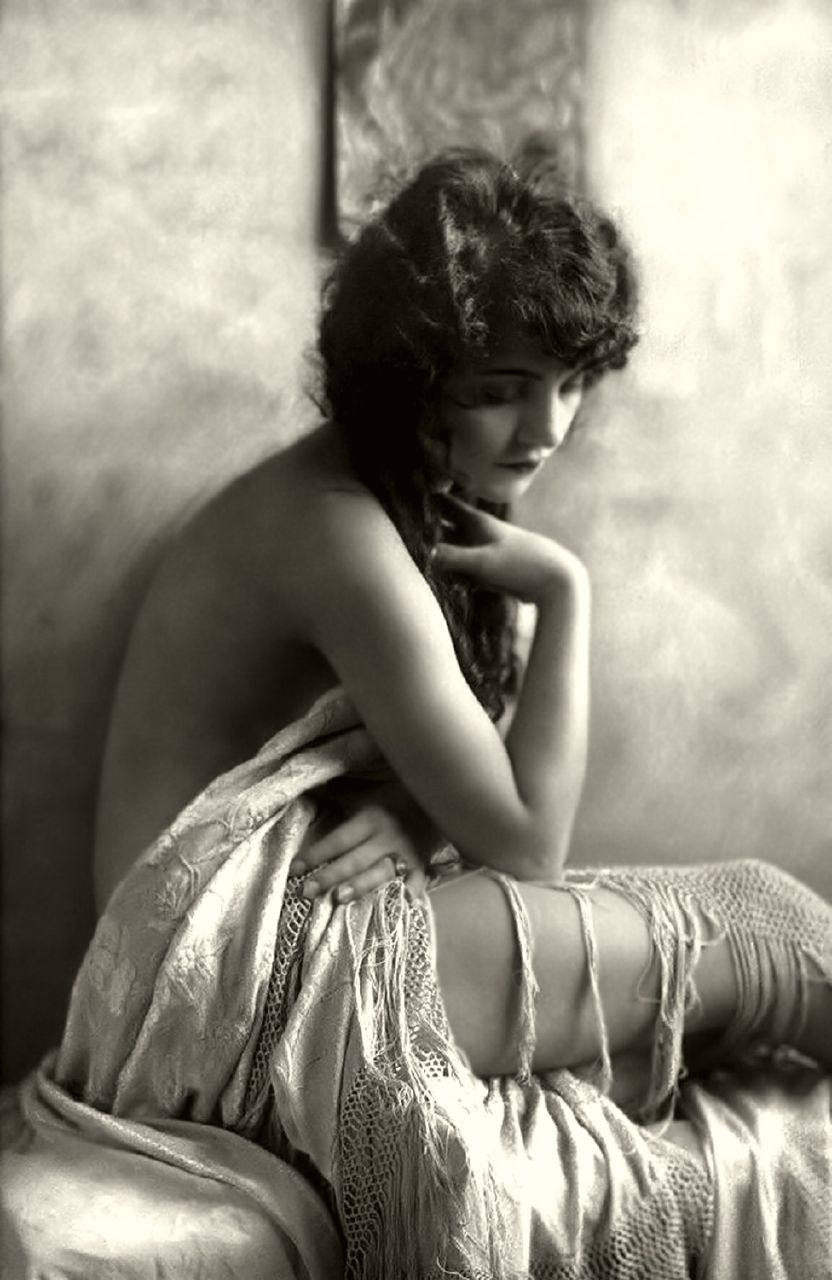 Alfred Cheney Johnston: 1885 – 1971