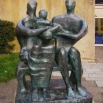 Henry_Moore-Family_Group_1950