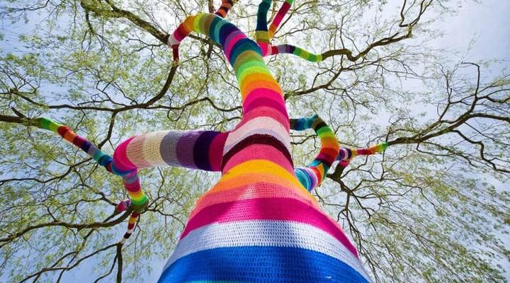 Yarn Bombing: Graffiti Knitting