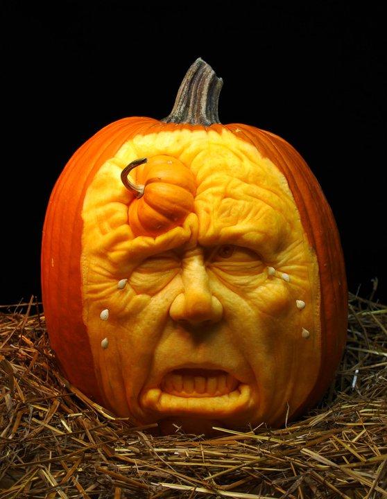 Ray villafane pumpkin carving daily art fixx - Citrouille effrayante ...